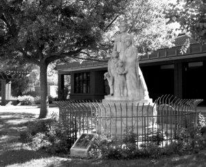 Hugo Reid Family Statue